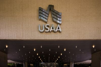 USAA Increases Minimum Pay to $21 per Hour for All Employees