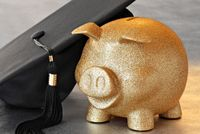 Piggy bank graduation hat-shutterstock_44515120.jpg
