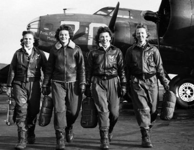 LockboWomen Airforce Service Pilots, left to right, Frances Green, Margaret Kirchner, Ann Waldner and Blanche Osborn at Lockbourne Army Air Field, Ohio, 1944. - USAA Member Community