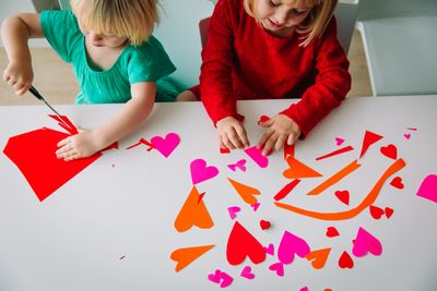 USAA-Community-Kids-Preparing-for-Valentines-Day.jpg