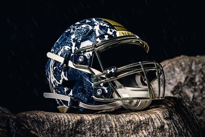Army-Navy-Game-Navy-Uniform3-USAA-Community.jpeg