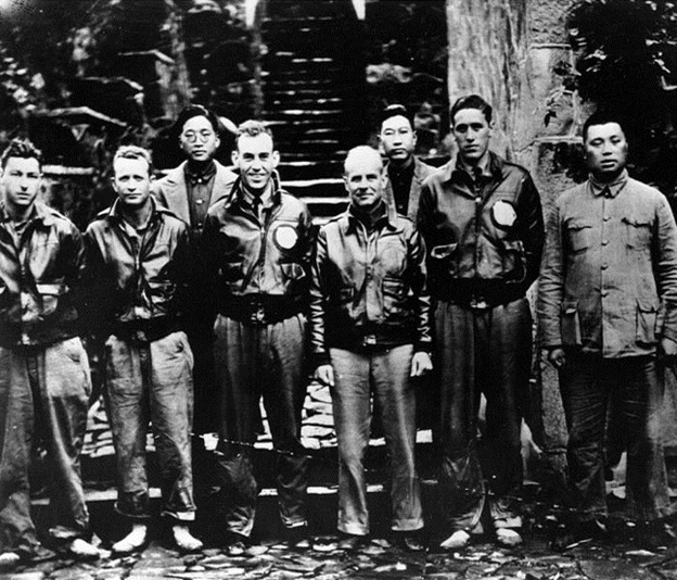 Doolittle Crew & Chinese Officials.jpg