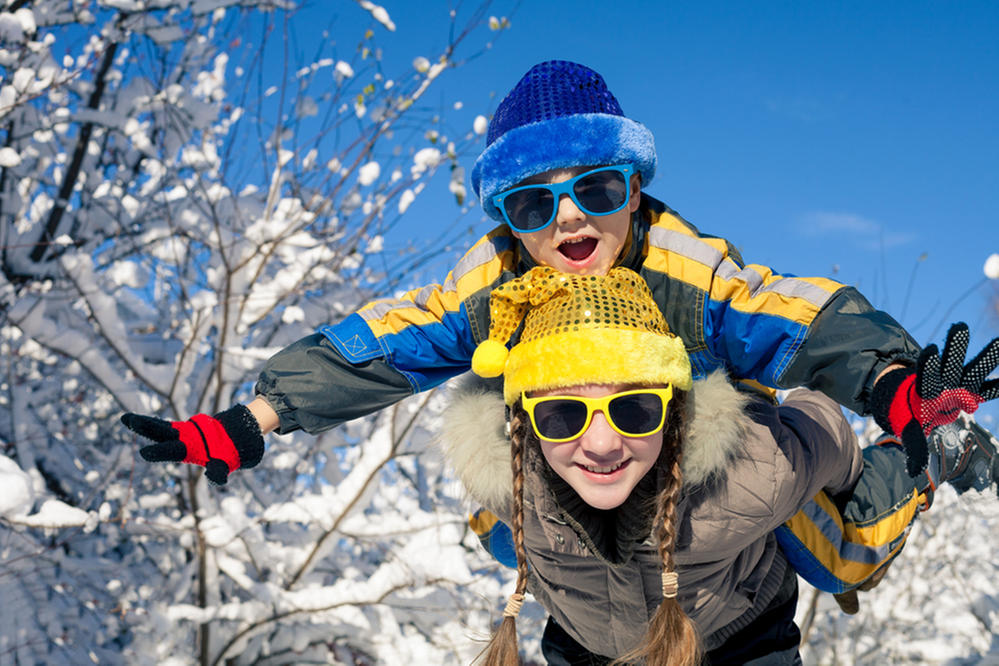 Survive Holiday Travel With Kids - USAA Community.jpg