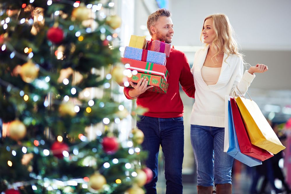 Realistic Tips to Help You Not Overspend this Holiday Season
